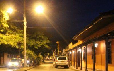 Polémica por adjudicación de concesión de alumbrado público en Cartago